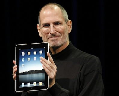 Steve-Jobs-introduces-iPad