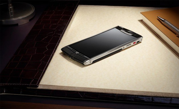 Non-Bentley-Vertu-phone-626x382