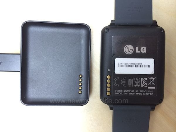 lg-g-watch-charger02
