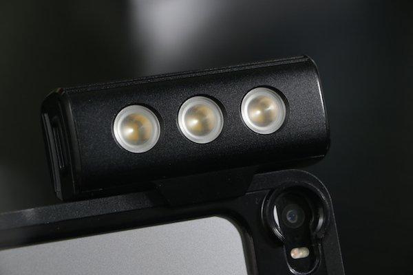 ▲ 組裝 LED 燈示範