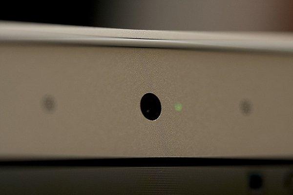 MacBook Camera tune Mon Brightness_00