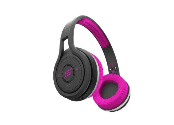 ▲Wireless Sport Headphone的耳機面有操作按鍵。