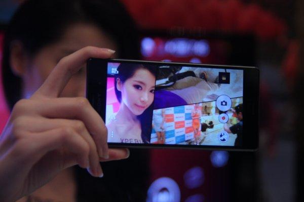 ▲有多一、兩部 Xperia 手機,就可以用Muti-Camara 功能。