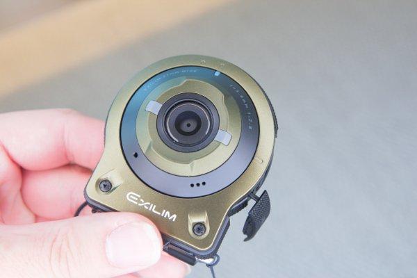 ▲f/2.8 光圈可以在昏暗及室內拍攝出明亮相片。