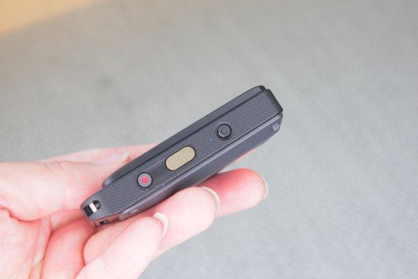▲屏幕部分亦設有快門掣,可遙控鏡頭拍攝。