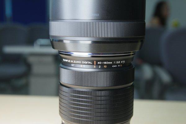 ▲使用Dual VCM 雙音圈馬達對焦系統,最近對焦距離為 0.7 米,比現行長焦段變焦鏡有更短的對焦距離。