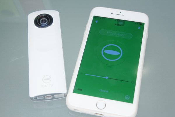 ▲用Wi-Fi連接可以用手機作遙控拍攝。
