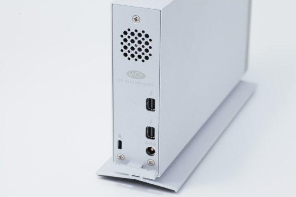 ▲有兩個 Thunderbolt 2 可作串聯使用。