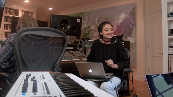 apple-the-story-behind-the-song_04