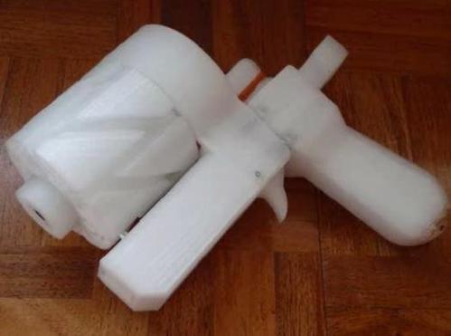 ▲去年,日本年青人製造的 3D 打印手槍,被受網民討論 。