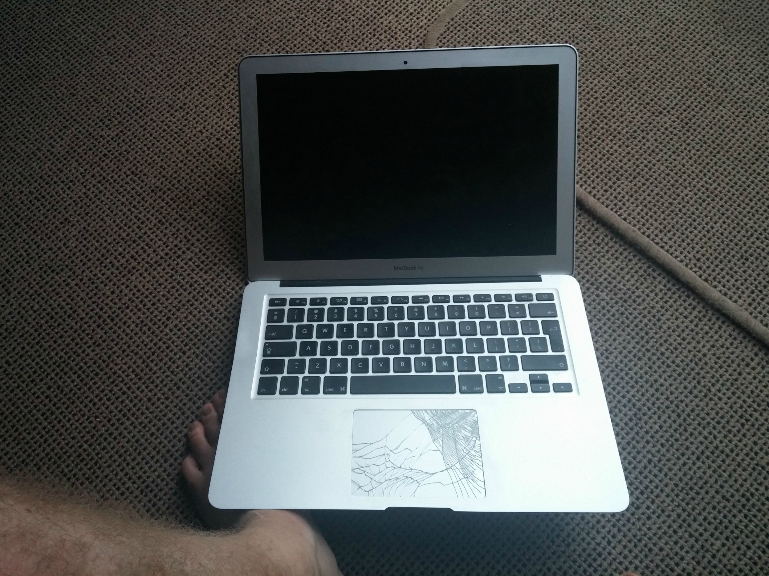 macbook-air-drop-from-1000-ft_02