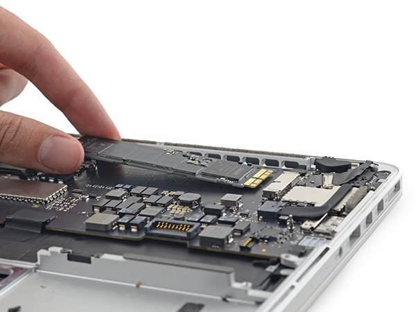 2015-13-in-macbook-pro-teardown_12