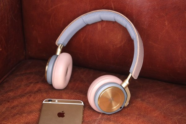 BeoPlay - 09
