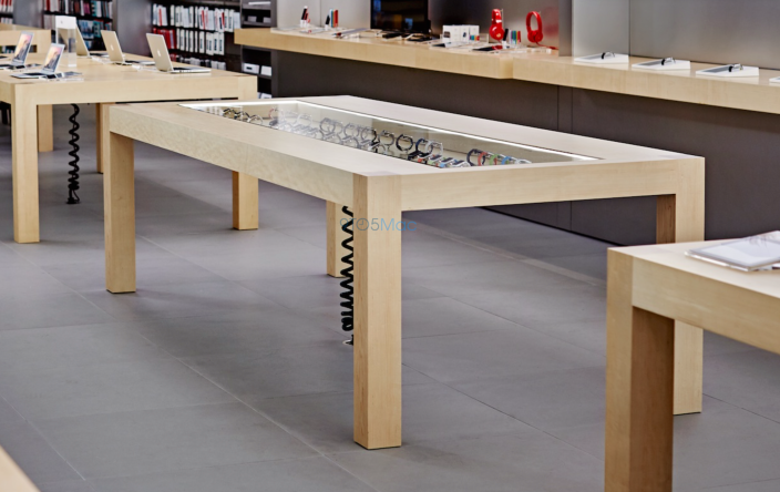 apple-watch-try-on-table_00