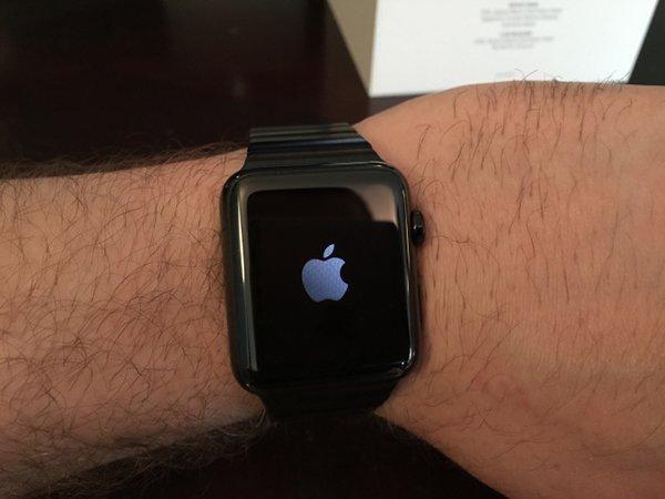 apple-watch-black-link-bracelet_07