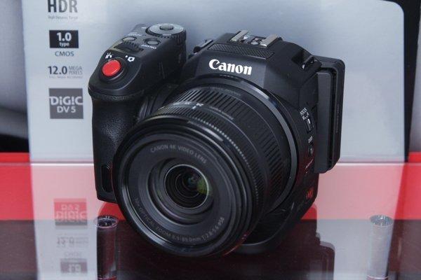 Canon XC10 - 1