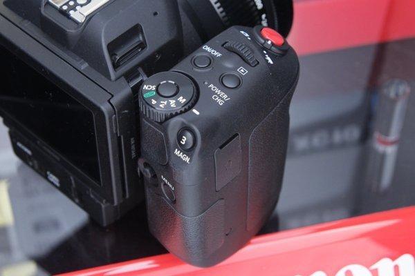 ▲手柄位置似單反相機。