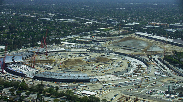 apple-ufo-campus-2-shoot-by-helicopter_00