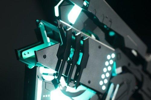 ▲整支槍有 100 多顆LED 燈。