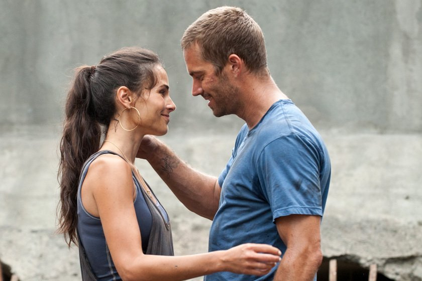 Fast-Five-Still-brian-oconner-and-mia-toretto-21012254-840-560
