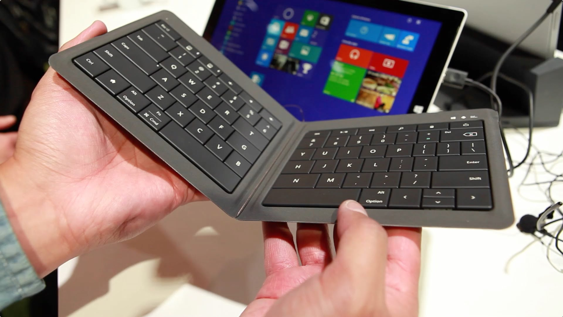Universal Foldable Keyboard-2