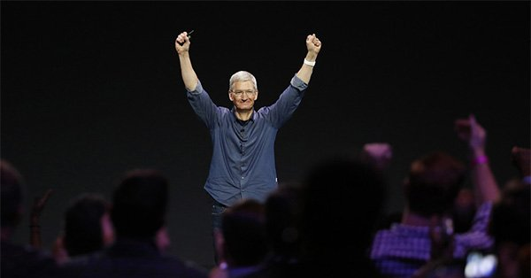 Apple unveils iPhone 6 and Apple Watch at the Flint Center in Cupertino
