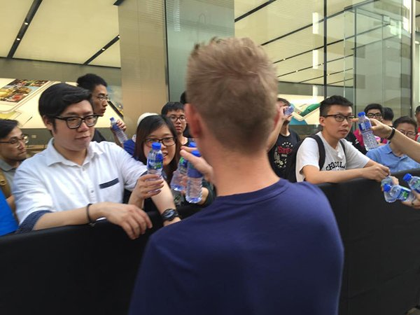 apple-store-canton-road-0830_02