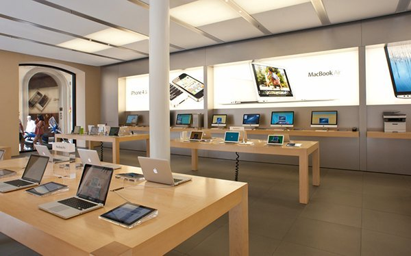 apple-to-demote-ipod-stock-to-accessory-shelves-in-retail-stores_00