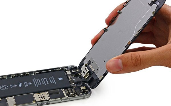 intelligent-energy-iphone-6-7-days-better-hydrogen-fuel-cell_02