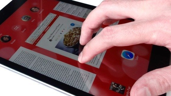 ipad-gestures-swipe-up-with-five-fingers-1-100609950-large