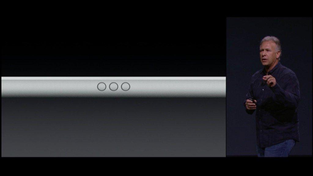 ▲ iPad Pro 有三個接點供鍵盤配件連接。