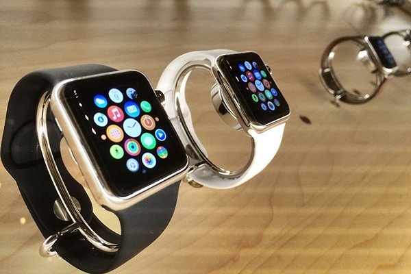 less-expensive-gold-apple-watch-iphone-6s-apple-event_01