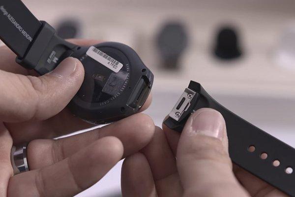smasung-gear-s2-apple-watch-5