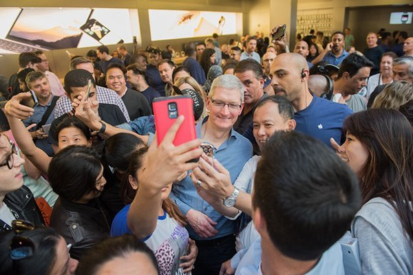tim-cook-said-user-may-eventually-be-able-to-remove-unwanted-default-apps_01