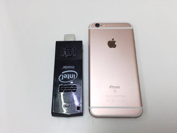 ▲比 iPhone 6s 細一點。