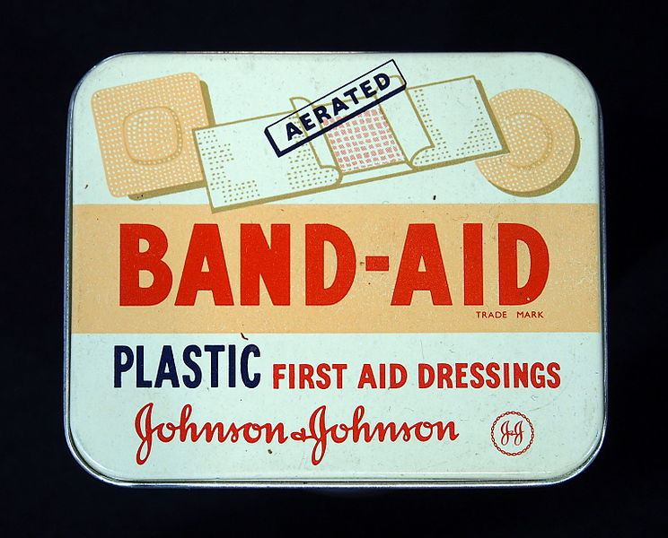 johnsonjohnson_band-aid_tin_pic3