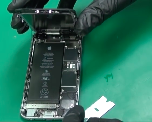 the-iphone-6s-is-not-full-water-ressistant_02