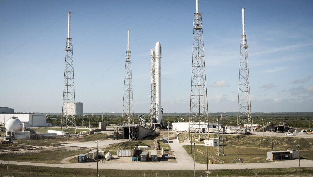 space-releases-hd-photo-of-falcon-9-mission_02