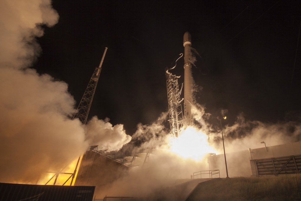 space-releases-hd-photo-of-falcon-9-mission_04