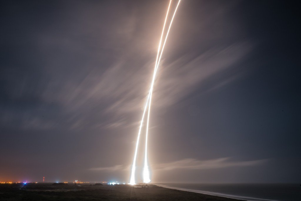 space-releases-hd-photo-of-falcon-9-mission_08