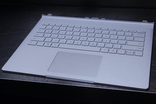 ▲鍵盤基座內有電池外,還有GPU