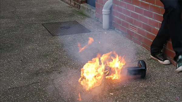 a-5-min-movie-can-describe-how-dangerous-using-hoverboard_03