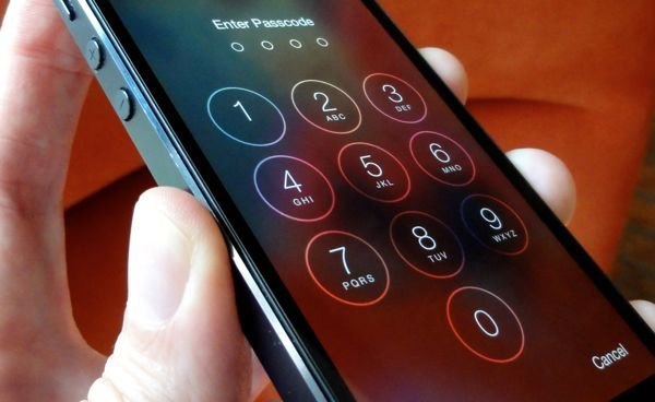 apple-filed-against-fbi-to-remove-the-order-of-unlocking-iphone-with-backdoors_02