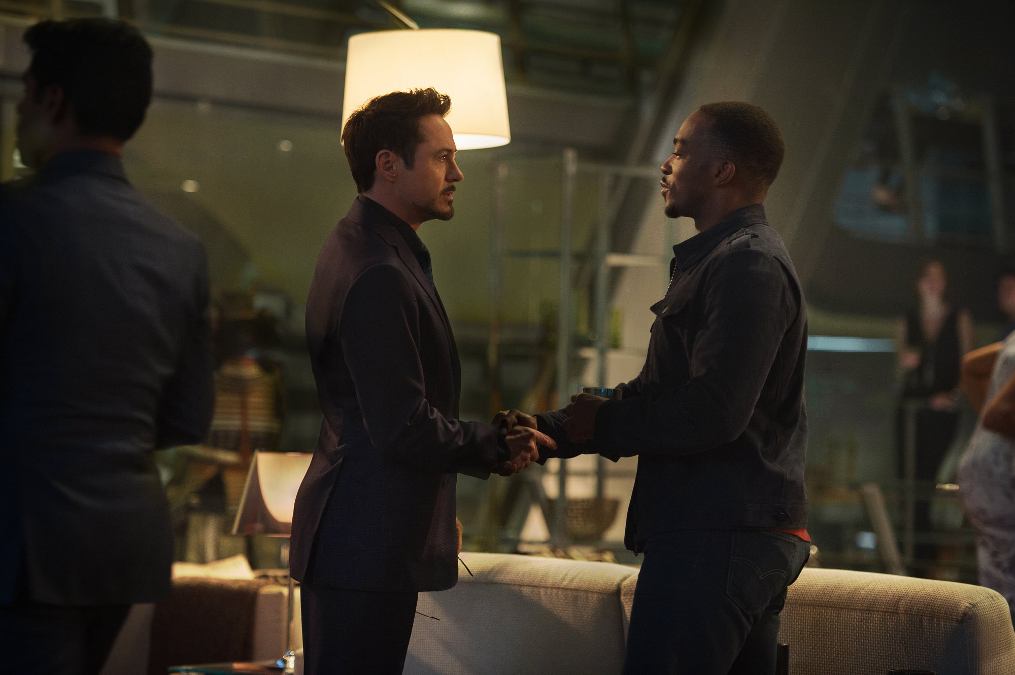 avengers-age-of-ultron-robert-downey-jr-anthony-mackie