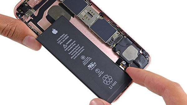 fat-battery-4-times-iphone-battery_00