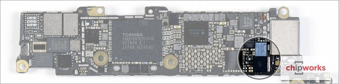 11-Apple-iPhone-SE-Teardown-Chipworks-Analysis-Internal-Touchscreen-controller-hero