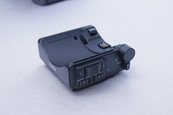▲電動變焦轉接器PZ-E1配件上有Tele 及Wide 的撥桿,而且有變焦速度選擇