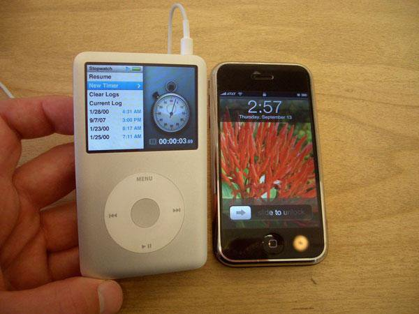 father-of-ipod-nest-ceo-tony-fadell-told-us-how-iphone-prototype-looks_02