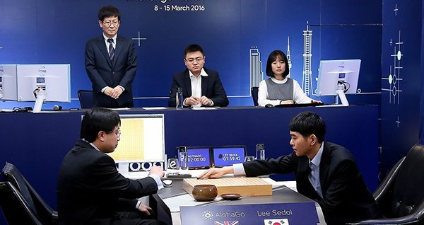 google-ai-alphago-defeated-south-korea-go-chess-player_00