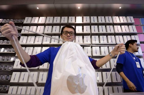 apple-store-no-longer-to-give-plastic-bag_04